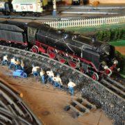 La Locomotiva di scartamento con tre assi motori