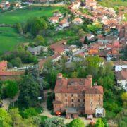 TENUTA_1_veduta-castello+case vacanza